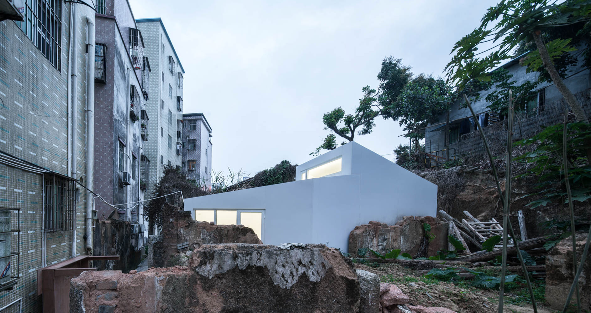 Shangwei Village Plugin House / People's Architecture Office